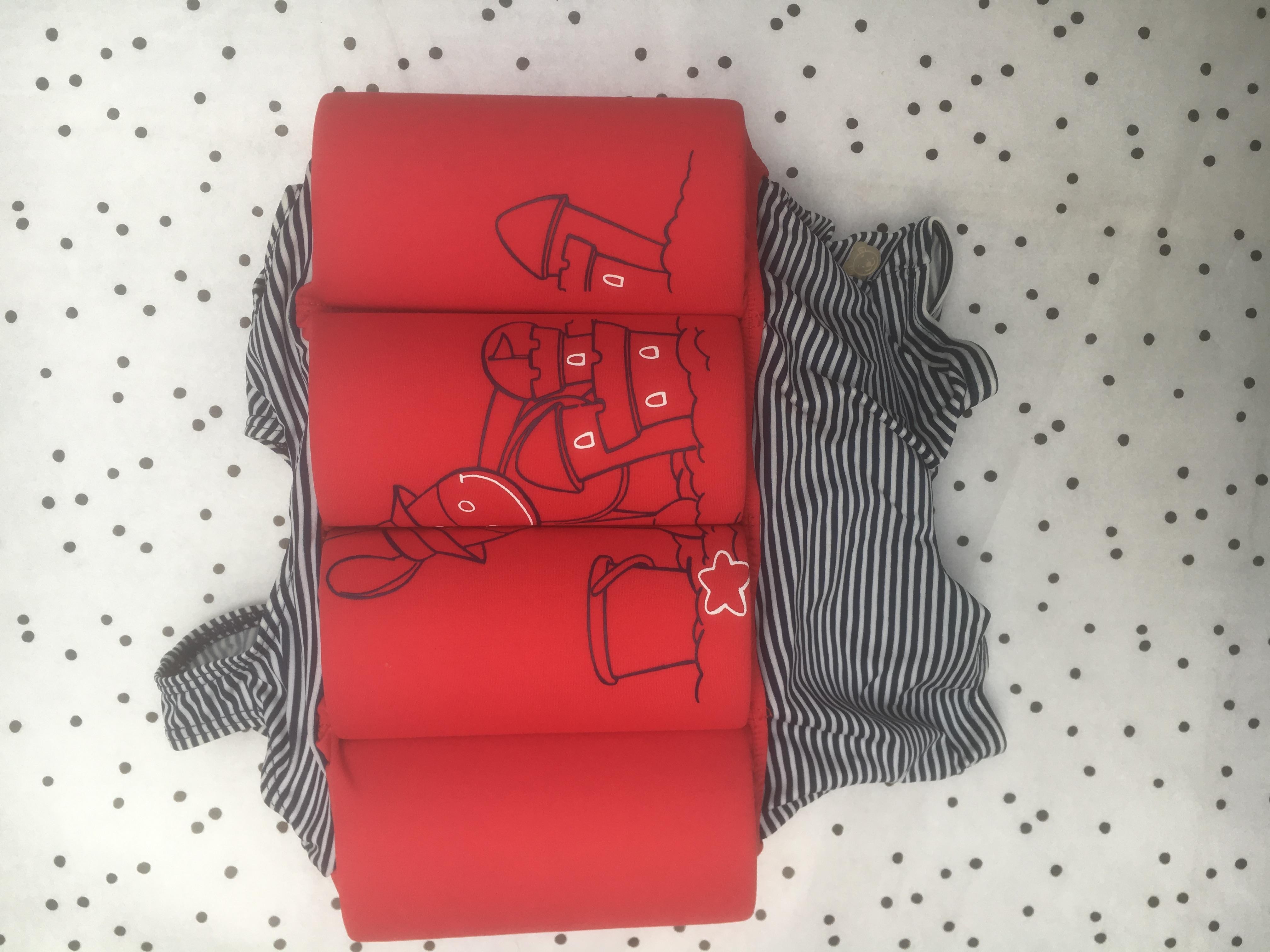 Noukies boeibadpak rood / blauwe strepen 12M